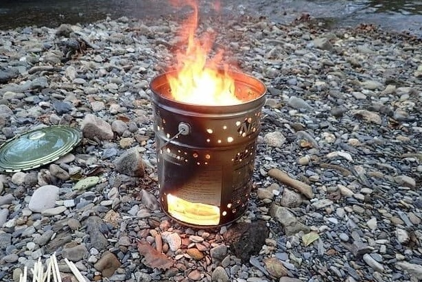 オイル缶の焚き火台